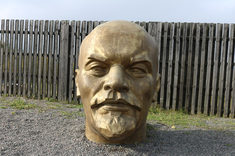 Chasing Lenin – The Belarus Edition