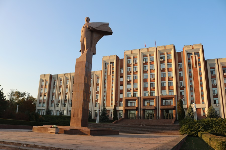 Chasing Lenin – The Moldova Edition